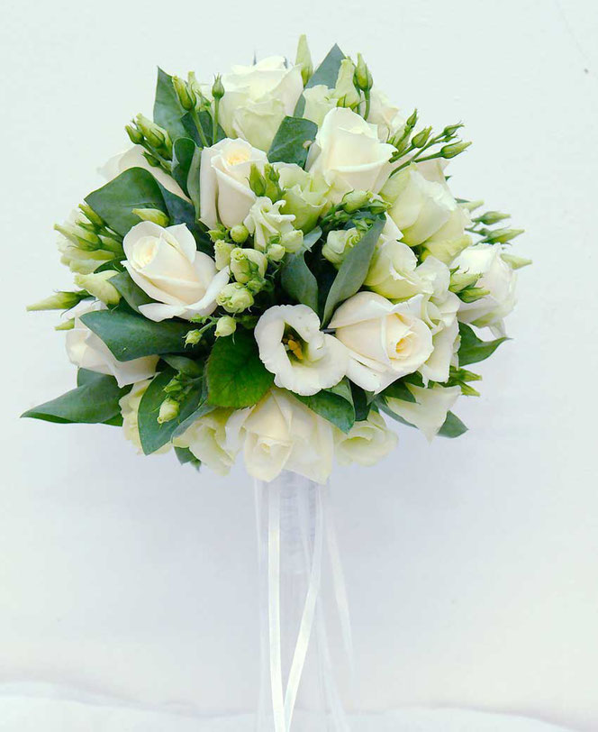 Small Biedermeier wedding bouquet to order in vienna