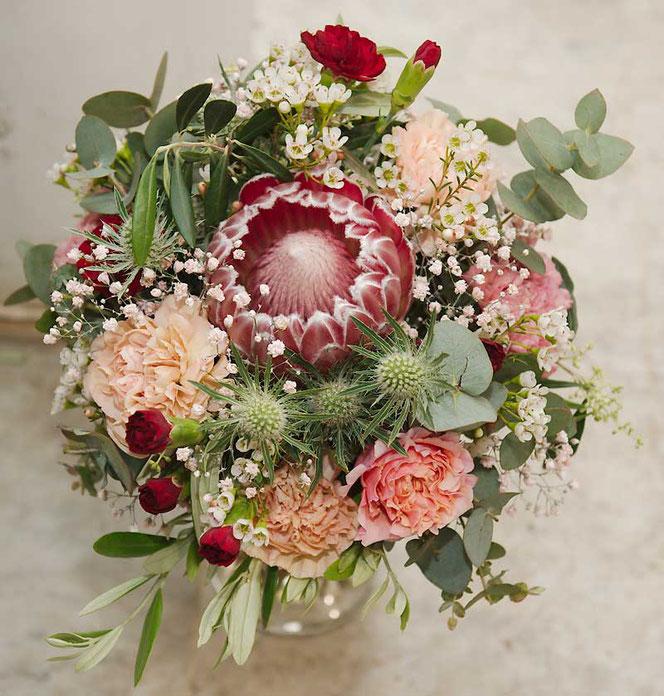 Brautstrauss mit Protea im Boho Style in Wien bestellen