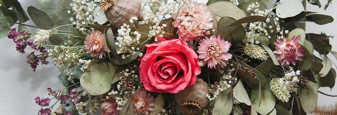 Trockenblumen mit Forever Rose