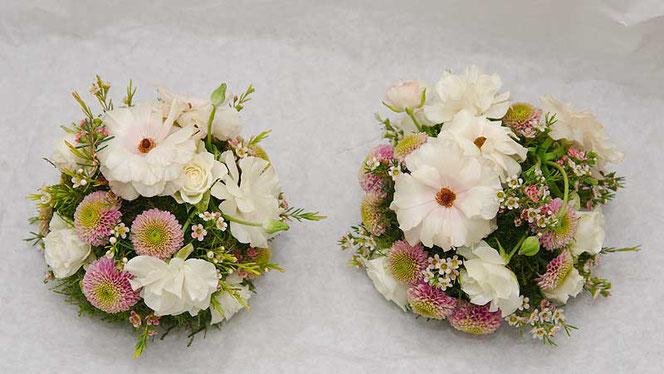 Bluemnkugel Tischdeko Blumen für Hochzeitstafel in Wien