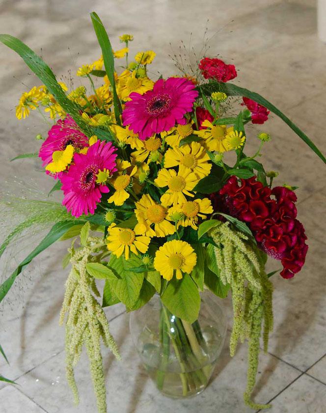 Blumenstrauß Wien bunt