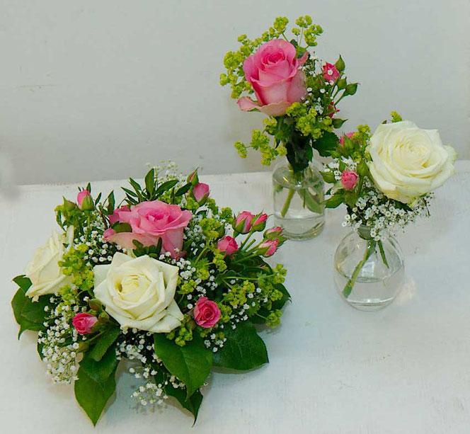 Tischdekoration und Vasen für Hochzeit Hochzeitsfloristik Wien