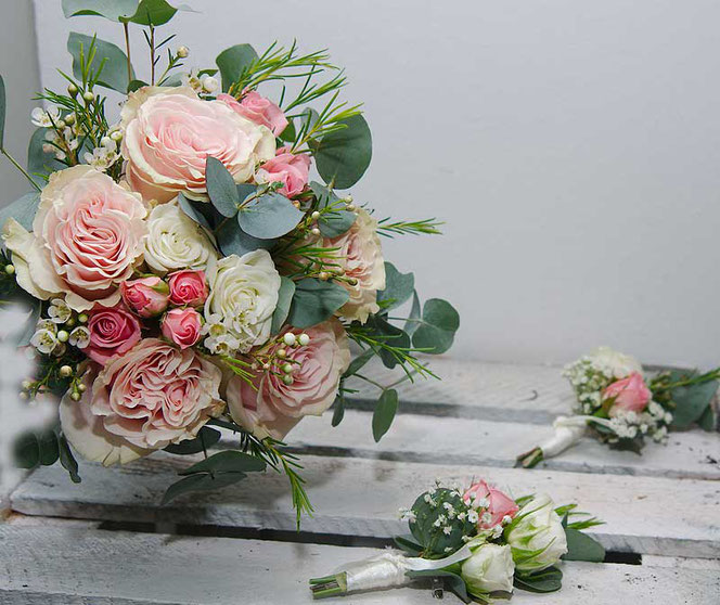 Bridal bouquet in pink vintage style vienna