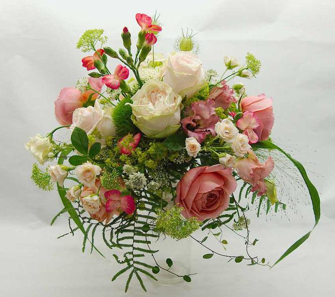 Brautstrauß Vintage Rosa Creme  Wien