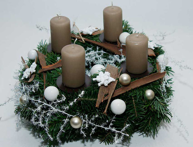 adventskranz weihnachtsdekoration diy in wien. Black Bedroom Furniture Sets. Home Design Ideas