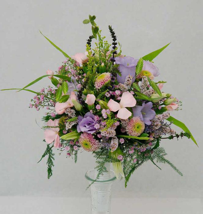 Brautstrauß Wiesenblumen Boho Style