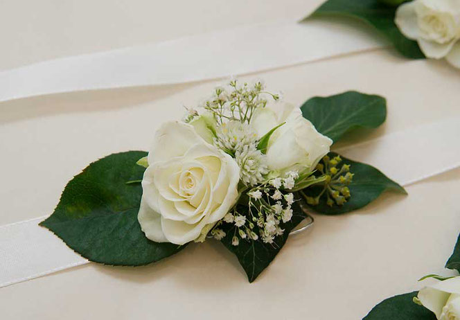 corsage wedding flowers vienna