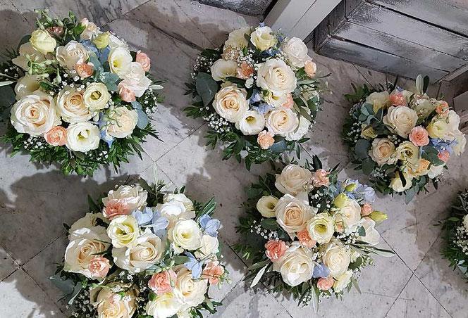 Blumendeko Hochzeit Wien bestellen Tischgestecke
