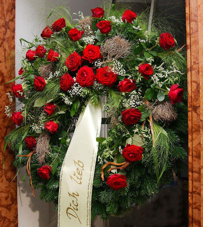 Kranz Rote Rosen, Zweige, Äste