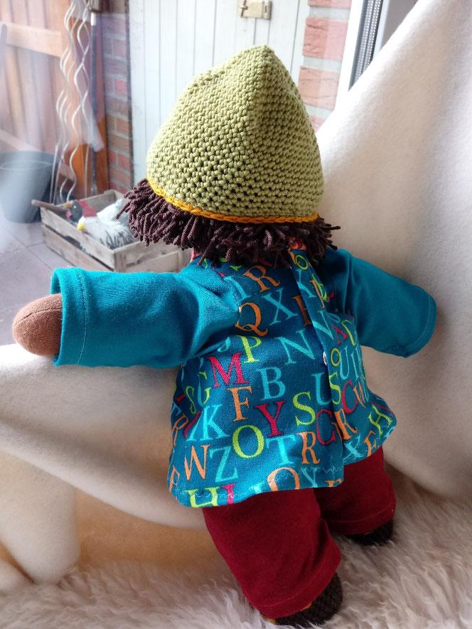 Unisex Puppe, handgemachte Stoffpuppe, Bio-Stoffpuppe, individuelle Puppe, Wunschpuppe, Puppe passend zum Kind, geschlechtsneutrale Puppe, dunkelhäutige Stoffpuppe, afrikanische Puppe, farbige Puppe, dunkle Stoffpuppe, Puppenhandwerk, Empowerment