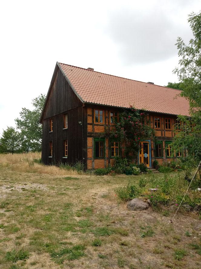 Hof Erdenlicht, Holz, Hand, Werk, Kunst, Tobias Dübler, Anke Dübler, Holzknöpfe, Altmark, alternativ leben