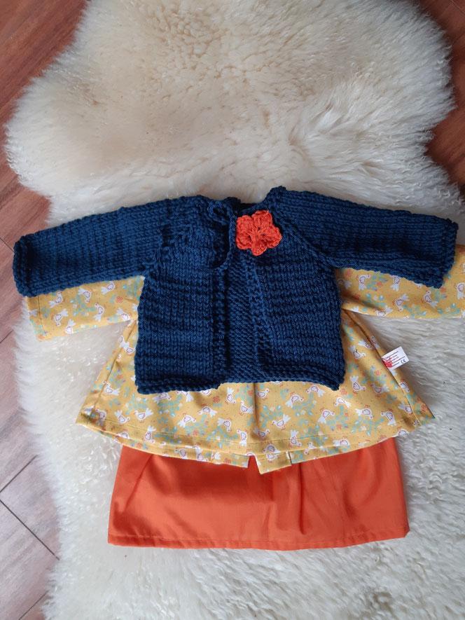 Puppenkleiderset, festlich, Empirekleid, Batistrock, Puppenstrickjacke, Kleidung für Stoffpuppe nach Waldorfart