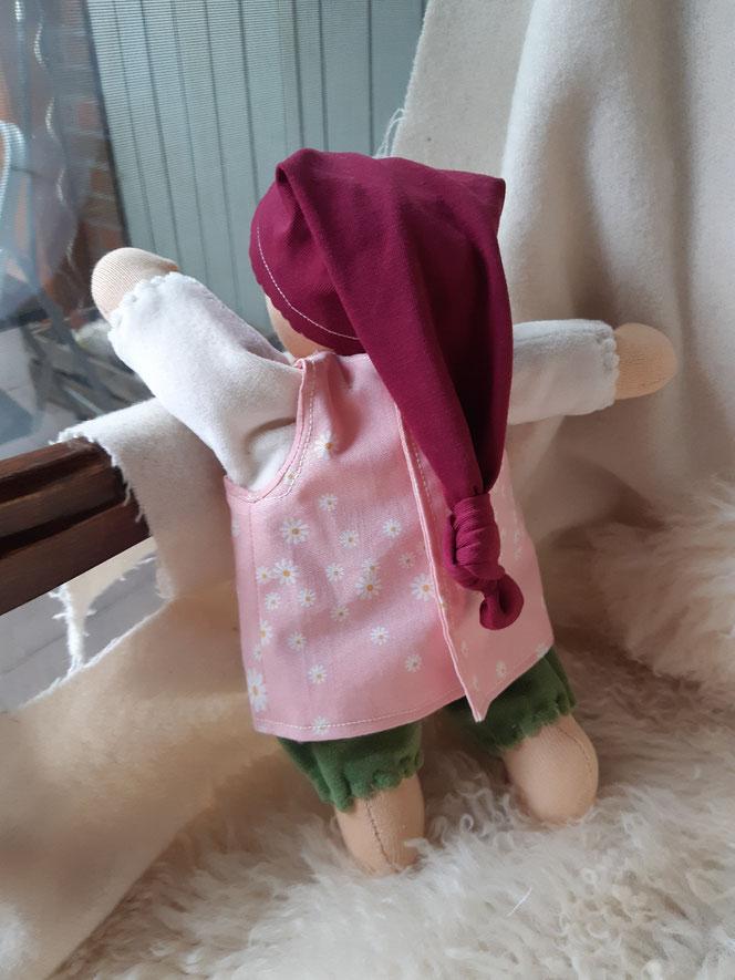 Bio-Stoffpuppe, individuelle Puppe passend zum Kind, Waldorfart, Schlamperle, erste Puppe, Wunschpuppe, ökologische Kinderpuppe, bio-fair, ökofairliebt, Selbstakzeptanz bei Kindern stärken, Naturmaterial, Puppenhandwerk, handgemacht, Erstlingspuppe