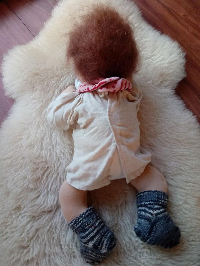 handgemachte Stoffpuppe, Waldorfart, Bio-Stoffpuppe, individuelle Stoffpuppe, Wunschpuppe, Puppe passend zum Kind, ökofairliebt, ökologische Kinderpuppe, Naturmaterial, Puppenhandwerk, bio-fair, Babypuppe