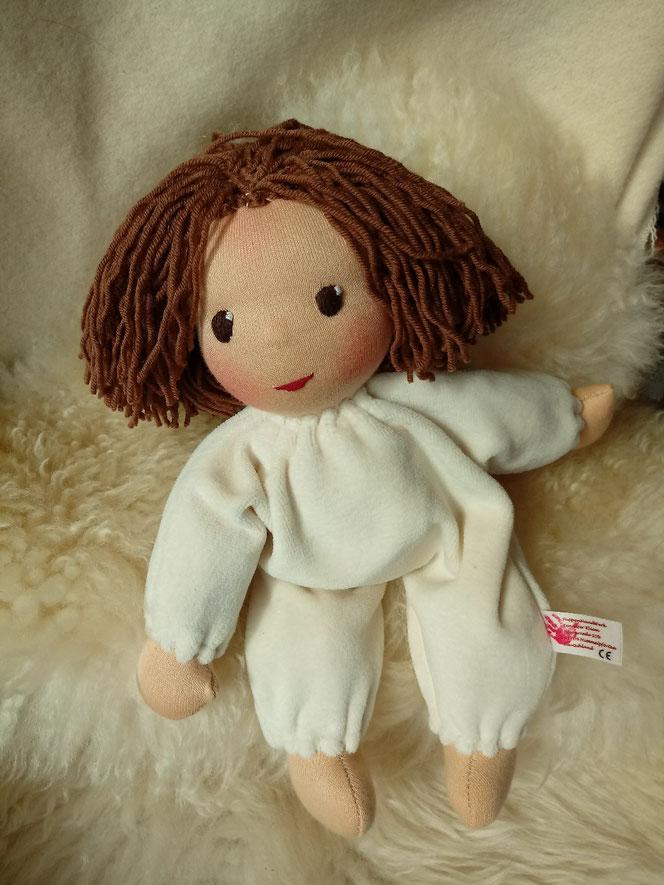 Bio-Stoffpuppe, handgemachte Puppe, inneres Kind, heilen, Heilungsanliegen, Arbeit mit dem inneren Kind, Waldorfart, Puppenhandwerk, Kuschelpuppe, handgefertigte Puppe, Wunschpuppe, individuelle Puppe passend zum Kind, ökolgisch, bio-fair, ökoverliebt