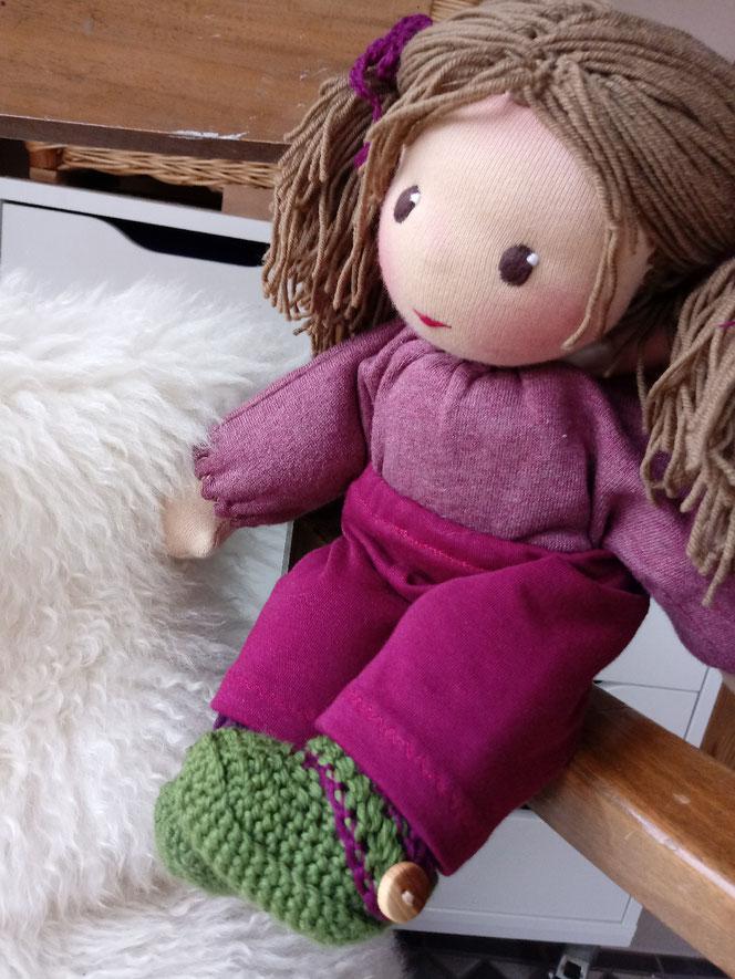 handgemachte Puppe, Waldorf, Puppe, Bio-Stoffpuppe, individuelle Puppe passend zum Kind, ökologische Kinderpuppe, Wunschpuppe, Puppe nach Wunsch, Puppenhandwerk, Handarbeit, Waldorrfart, Puppenfreundin, Schlamperle, erste Puppe,