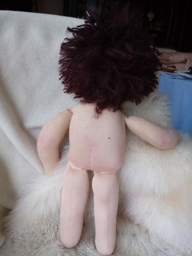Bio-Stoffpuppe, individuelle Puppe, Wunschpuppe, handgemachte Puppe, Handarbeit, Waldorfart, pädagogische Puppe, Puppenhandwerk, Wunschpuppe, ökologische Kinderpuppe, ökofairliebt, Naturmaterial, Puppenfreund, Puppe mit Leberfleck