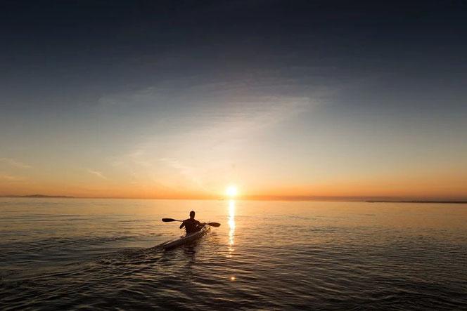camping-avec-activités-nautiques-sur-le-lac-de-biscarrosse