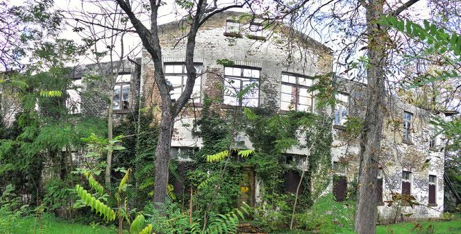 amerikanische Kaserne in Giesheim, Kasernen-Ruine, Häuserkampf