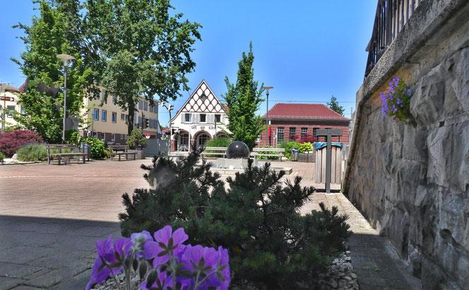 Rathausplatz Griesheim, Blick auf die Linie 9