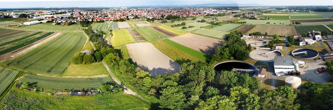 Griesheim von Westen, im Vordergrund die Kläranlage