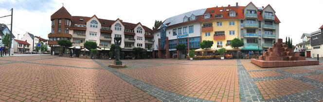 Marktplatz mit Zwiebelfrau