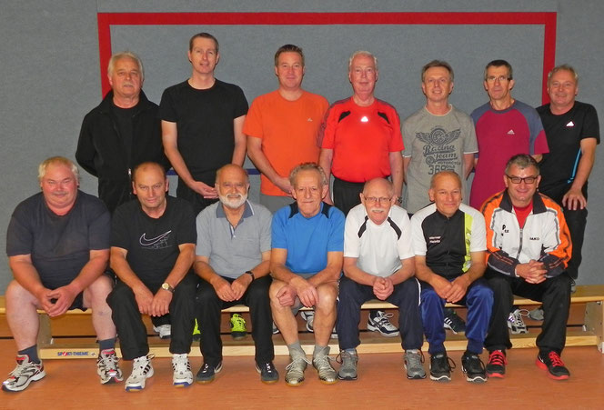 Freitags-Trainingsgruppe in der Turnhalle Neupotz