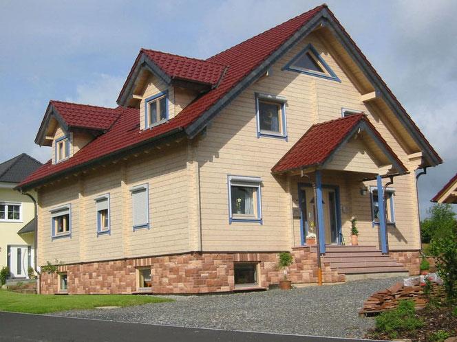 Exklusives Holzhaus - Blockhaus mit vielen Extras - Bauherreninformationen - Prenslau - Hessen - Fulda - Marburg - Schorfheide -  Energiesparhaus - Niedrigenergiehaus - Blockhausbauweise - Holzhausliebhaber - Hanau - Wiesbaden - Frankfurt - Kassel - Bauen