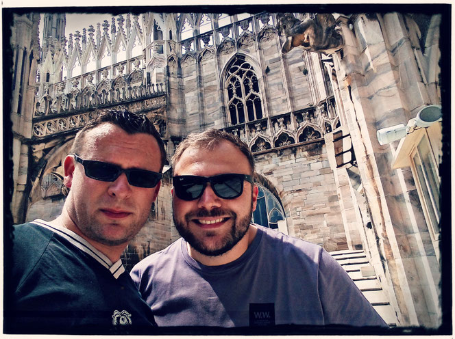 Mein Freund Alex (der Hauptverantwortliche für die tollen Fotos) und ich über den Dächern von Mailand
