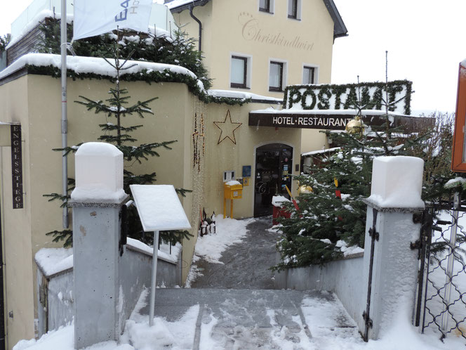 Eingang zum Postamt Christkindl