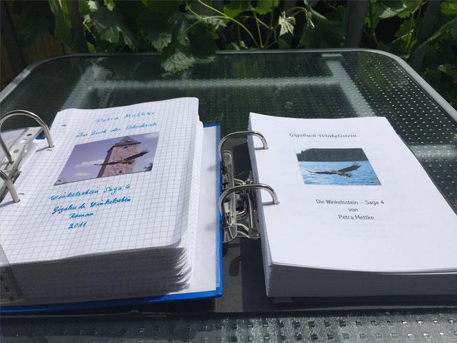 Petra Mettke/™Gigabuch Winkelsstein 04/Vergleich Originalmanuskript und Druckskript