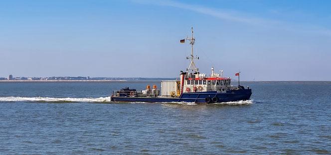 Nige Wark (ship) en route from home port Cuxhaven to Neuwerk.