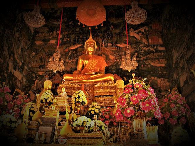 ワット・ポー(涅槃寺) Wat Pho のご本尊 (仏像) バンコク・タイ王国