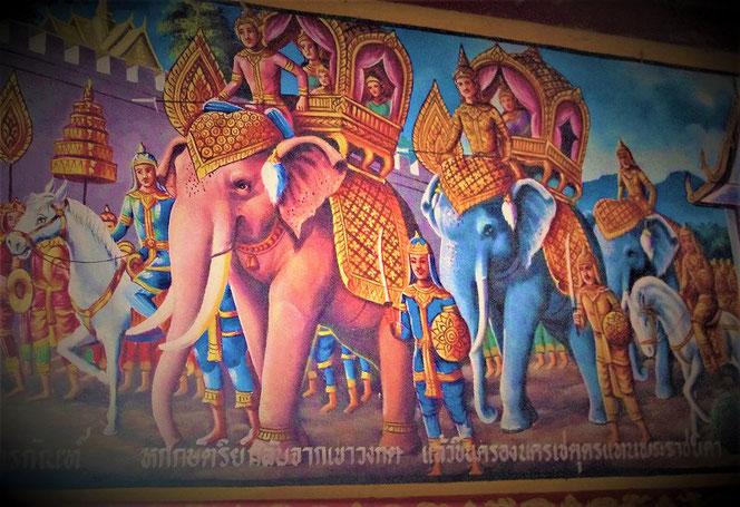 タイの寺院の壁画。ゾウが連なる。