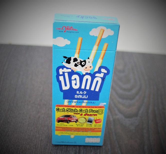 タイで販売しているグリコ・ポッキーのパッケージ。タイ旅行のお土産写真。