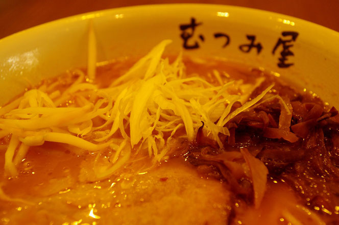 日本のらーめん バンコクの「むつみ屋」のラーメンの写真。どんぶりの中には日本のらーめんが [タイ・バンコク旅行(出張)写真ブログの画像]
