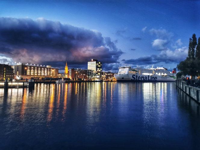TP Kiel về đêm