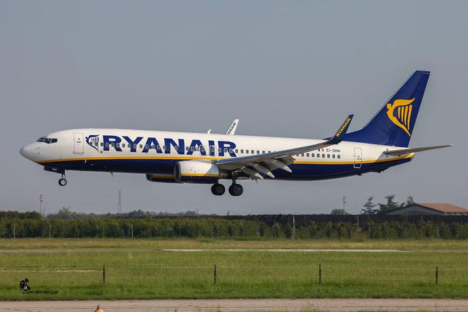 EI-DHH B737-8AS 33817/1677 Ryanair @ Aeroporto di Verona - 27/08/2016 © Piti Spotter Club Verona