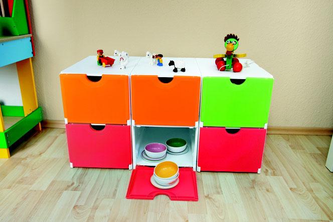 sneakerbox mit frontklappe aus kunststoff kisten f r schuhe werkzeuge spielzeug. Black Bedroom Furniture Sets. Home Design Ideas