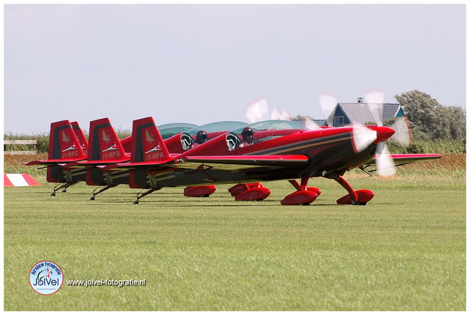 Leaseweb Texel Airshow Extra-300L