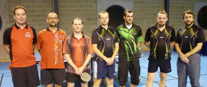 Sylvain, Grégory et Nicolas contre Marc, Philippe, Julien et Pascal