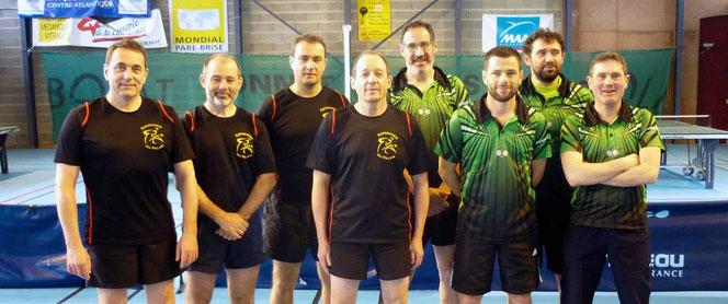 Stéphane, Philippe, Yannick et Claude face à Jean-Christophe, Emmanuel, Yannick et Sylvain