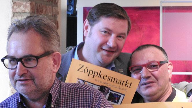 """Zöppkesmarkt-Männer: Falk Dornseifer (v.l.) ist als Vereinvorsitzender Koordinator, Tim Kurzbach, Stellvertreter, kennt ja auch den einen oder anderen — und Menderes Kalkan,  """"Menni"""" als Gute-Laune-Saubermann (Seelenwäsche inklusive) ist stadtbekannt."""