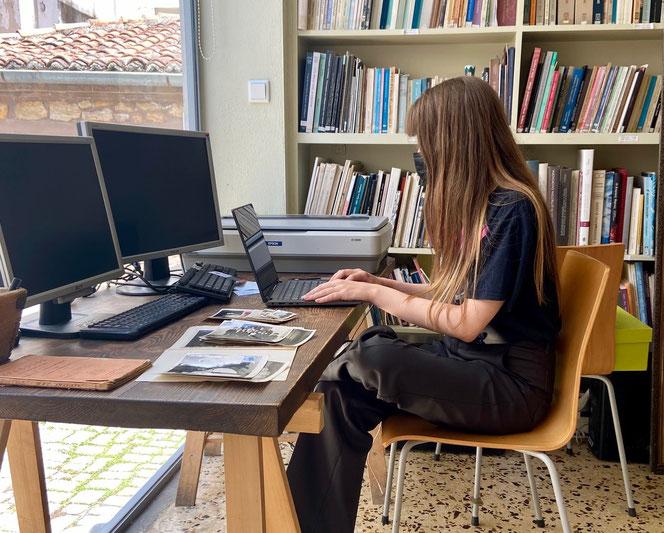 Justine (20) bei ihrem Praktikum in einem Museum in Alexandroupoli. Für sie war es ein wichtiger Start in die Zukunft.