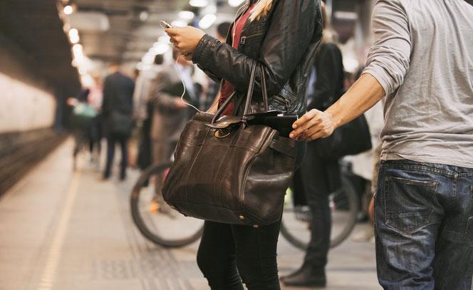Symbolfoto Taschendiebstahl: Jacob Lund, Adobe Stock