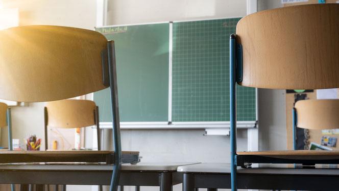 Nach den heftigen Protesten von Lehrern, Eltern und Schülern hat der Senat hat seine Schulöffnungspläne verworfen. © Corri Seizinger, Adobe Stock