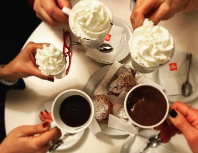 cioccolata calda con panna in centro a Padova
