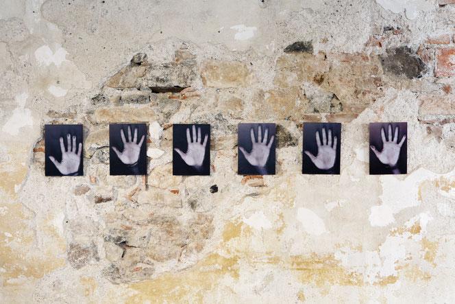 La mia mano sinistra - allestimento per '3 anni sulla pietra' - 2017