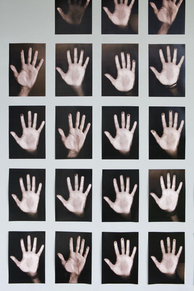 La mia mano sinistra - stampa laser su carta - 2016-in corso