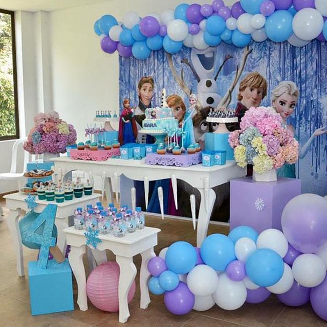 fiesta frozen mesa de dulces